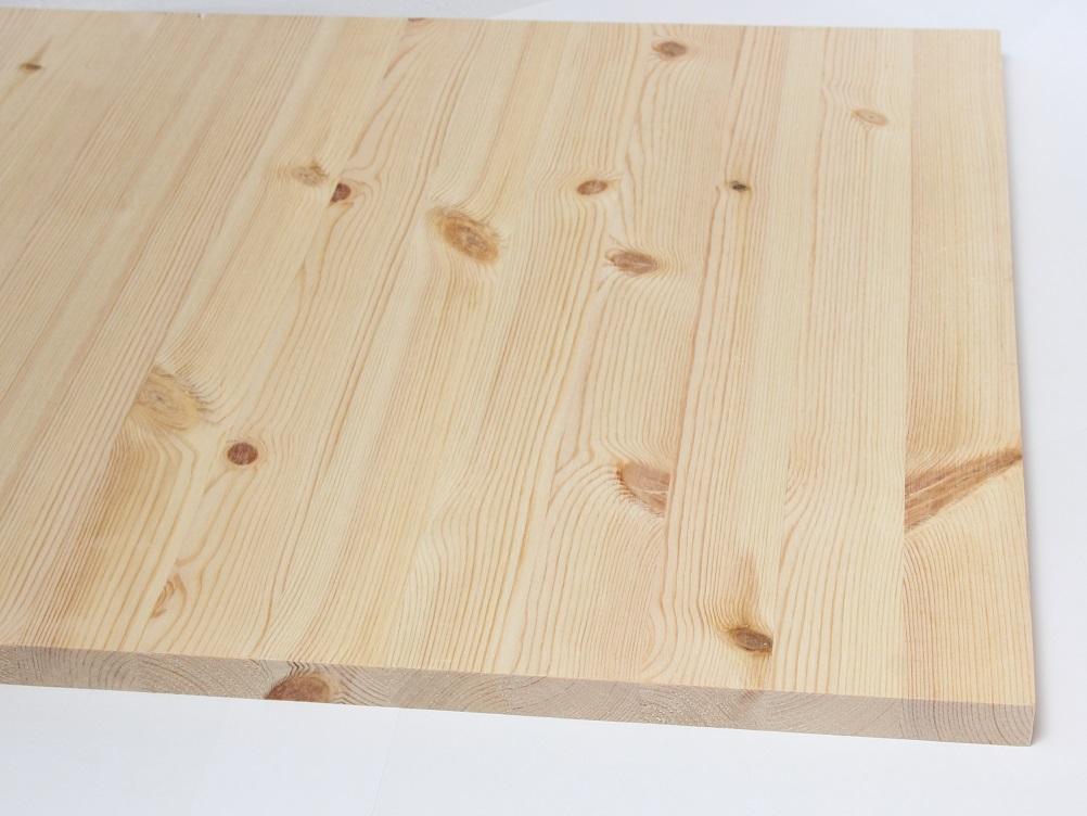 Pušies skydas klijuota medienos plokste 18mm